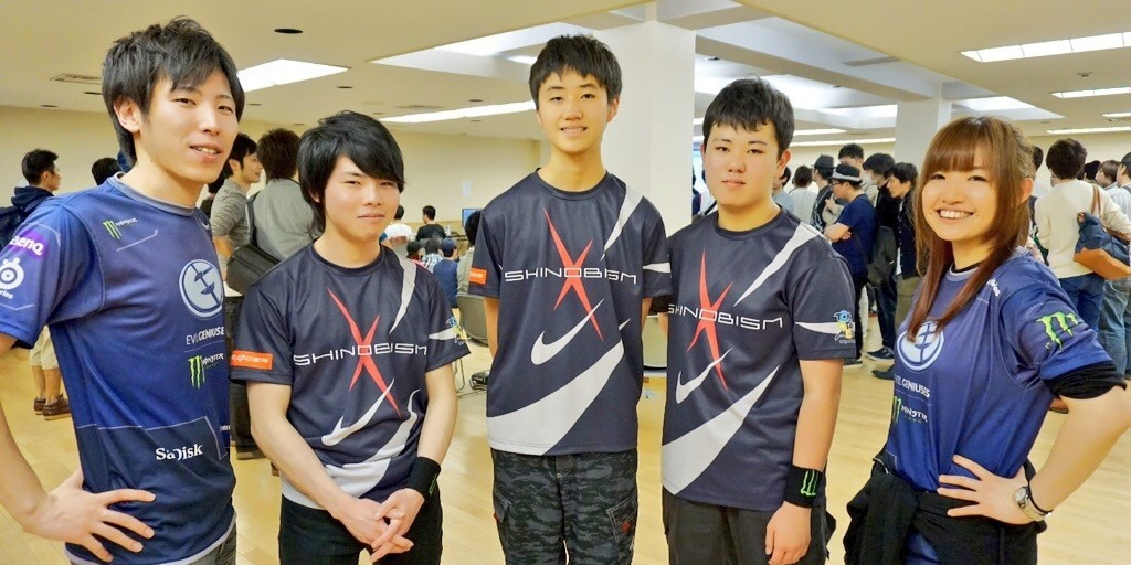 Evil Geniuses Momochi & ChocoBlanka and young gamers belong to Momochi & Choco's training program.