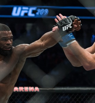 (L-R) Tyron Woodley punchesStephen Thompson in their welterweight championship bout during the UFC 209 event at T-Mobile arena on March 4, 2017 in Las Vegas, Nevada.