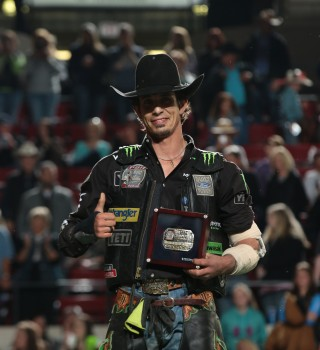 JB Mauney rides Dakota Rodeo/Julie Rosen/Clay Struve/Chad Berger's Tequila Sunrise for 86.75 during the first round of the Billings Built Ford Tough series PBR