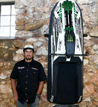 Abraham Hocshtrasser makes Nazaré Wall of Fame