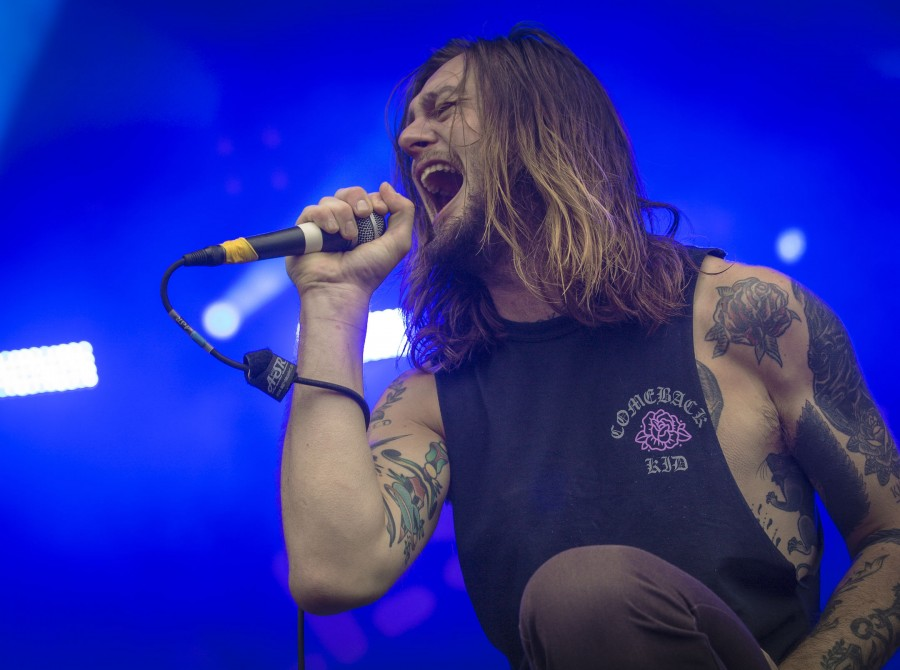 While she sleeps at the Vainstream Festival in Münster, Germany.
