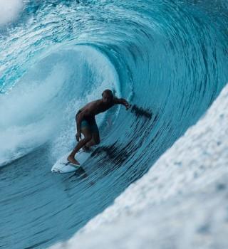 Owen Wright during the 2016 Billabong Pro, in Tahiti This Way In, Teahupo