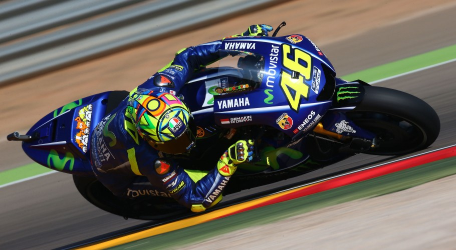 Yamaha's Rossi - just 23 days on from breaking his right leg in a motocross crash - placed 3rd on a 1m47.815s time.