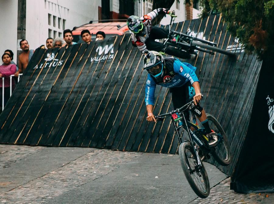 Down Puerto Vallarta, Downhill, Mountain Bike, Mountain Biking, Urban Downhill, Mexico, Sam Reynolds, Ricardo Peredo