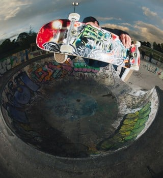 Sam Beckett Frontside Air at Livingston Skatepark for Concrete Dinosaurs. Shot by Chris Johnson of Sidewalk Magazine