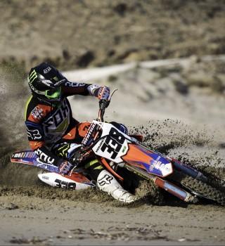 Sand training for the Greek MX1 Champion Panos Kouzis