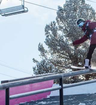 Jamie Anderson Takes Top Spot in Snowboard Slopestyle At Mammoth Grand Prix