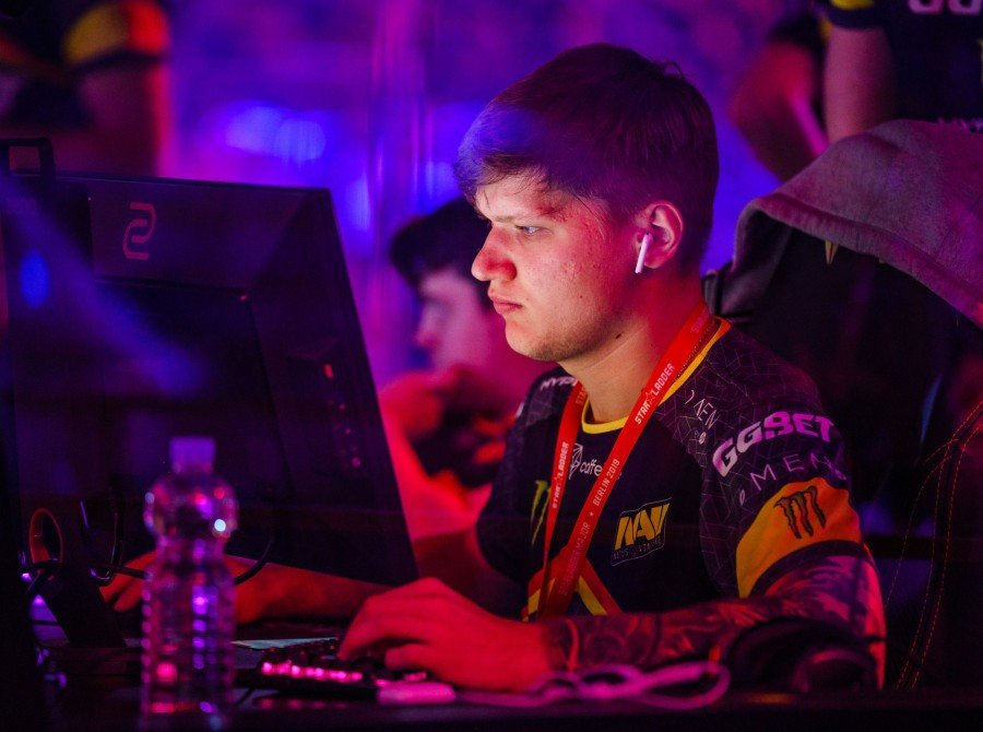 Photos of Natus Vincere playing at the Berlin Major