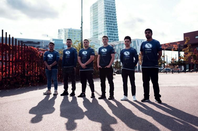 Photos of Evil Geniuses' CSGO team