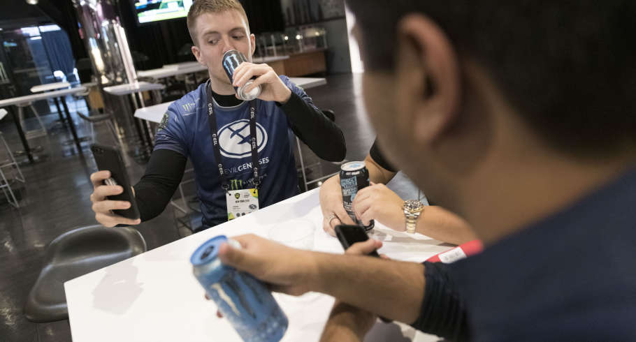 Photos of Evil Geniuses at their first event under their new organization. They took first place without dropping a single series, only losing one game along the way. They beat Astralis, who previously knocked them out of the Major that took place in Sept