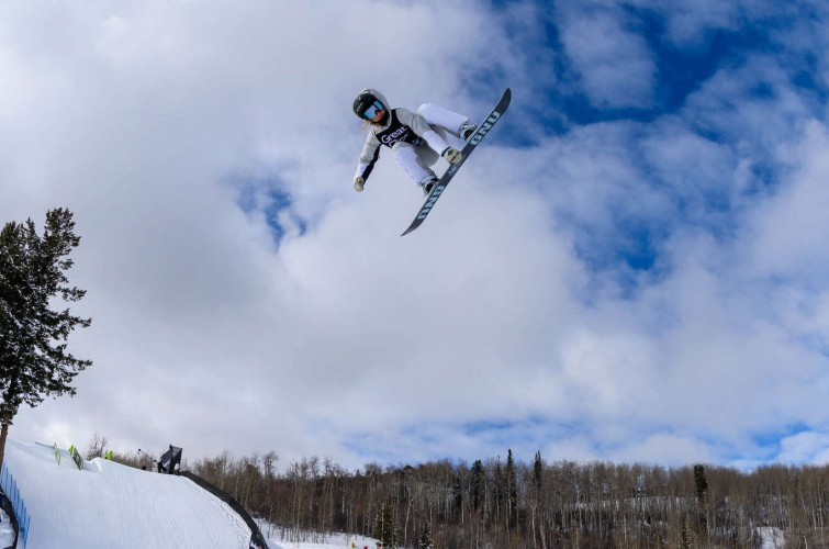 Images of Jamie Anderson winning slopestyle at Winter X games 2020.